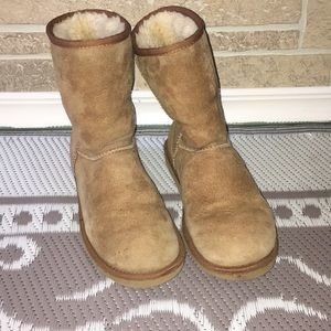 Ugg boots women's size 8 true to size